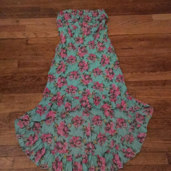 Rue21 Dresses & Skirts - Floral beautiful high and low summer dress.